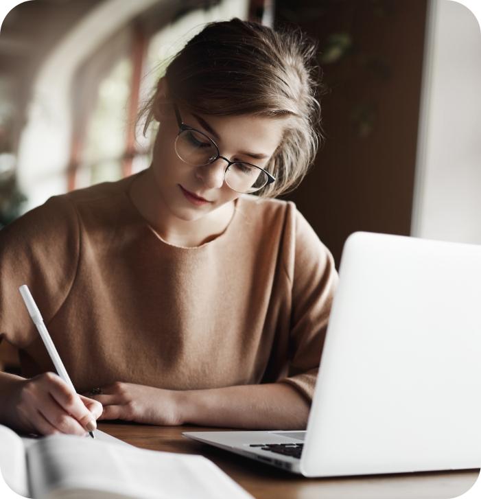 Estudo e<br> Trabalho